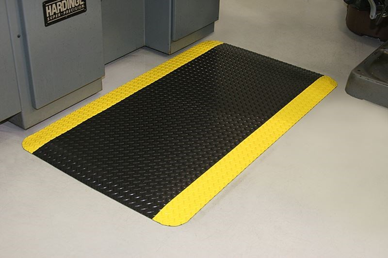 Image of a diamond dek sponge floor mat for industrial spaces.
