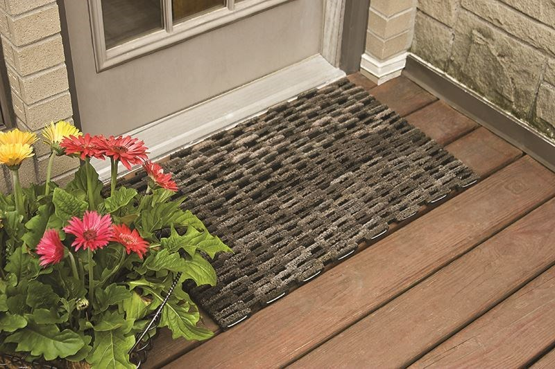 Image of an outdoor entrance rug for homes.