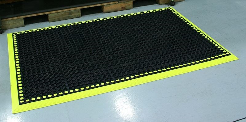 Image of a Workmaster HV mat for safer work environments.